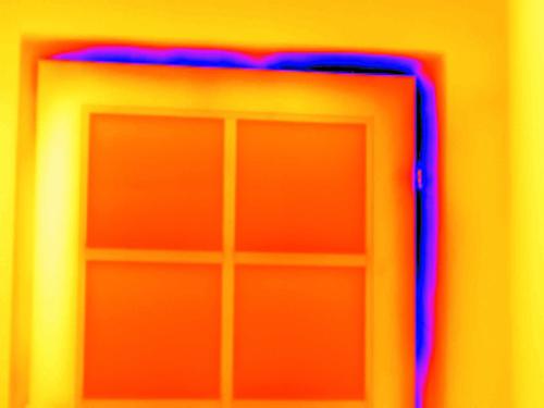 Bauthermografie: undichte Tür